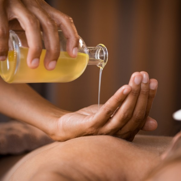 Abhyanga is a form of Ayurvedic medicine that involves massage of the body with warm herb-infused oil. This relaxing and  refreshing full body oil massage is an Ayurveda masterpiece, effects of both the oil and steam allow the medicated oils to seep into the body and nourish from within.  Abhyanga focuses on specific energy points in the body, helping to increase blood circulation while the rhythmic motion helps to relieve joints and muscles from stiffness. This massage is indicated to prevent ageing and degeneration. The Seven Position Therapy treats the whole body physically, mentally and emotionally.