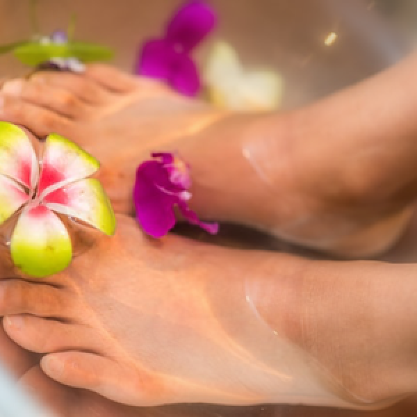 You can now relax and detoxify at the same time. Soak your feet in warm water while our Ionic Foot Detox gently pulls out toxins through the feet.